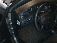 ford-escort-1-4-02