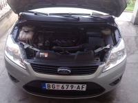 ford-focus-1-6-01_10092013